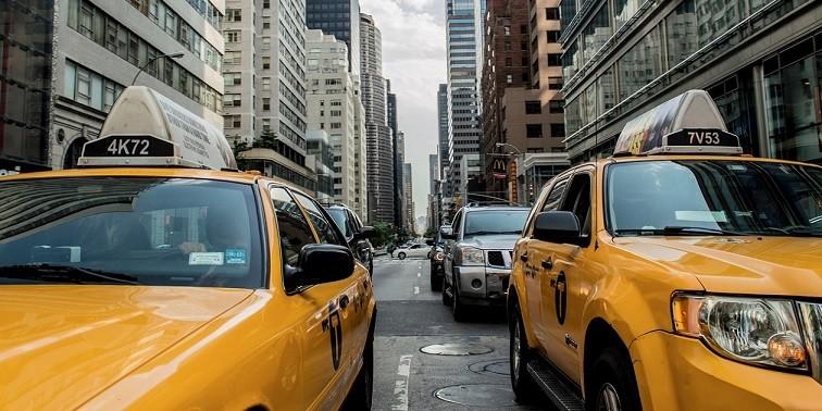 Вывод на рынок и продвижение приложения «Сравни Такси» — кейс Artics