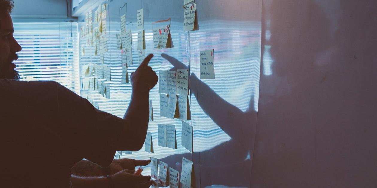 Как выстроить коммуникацию с клиентами агентства и повысить их лояльность: 3 кейса и антикейс